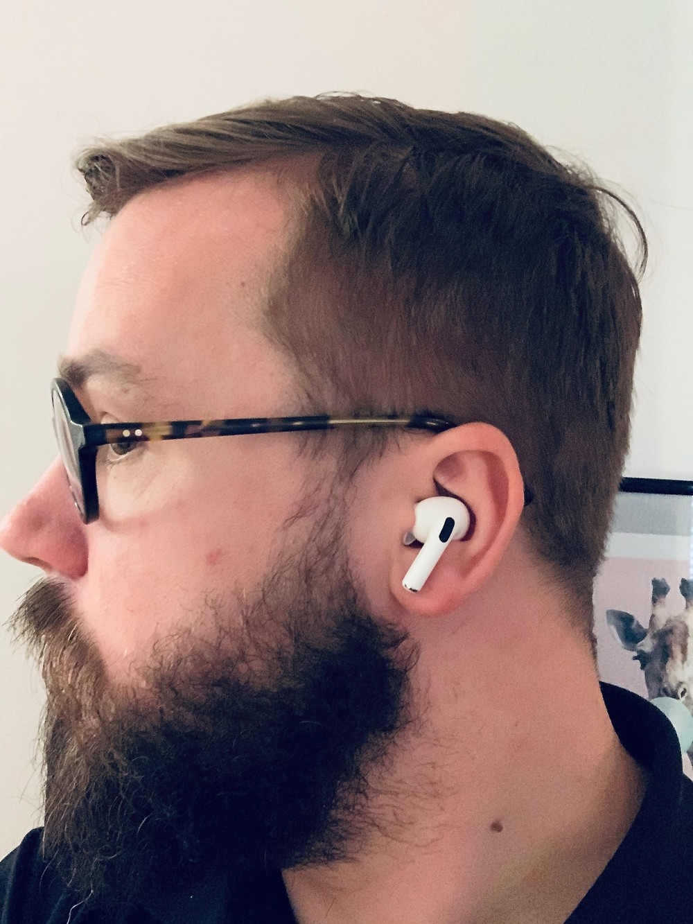 AirPods Pro in my left ear – looks good, huh?