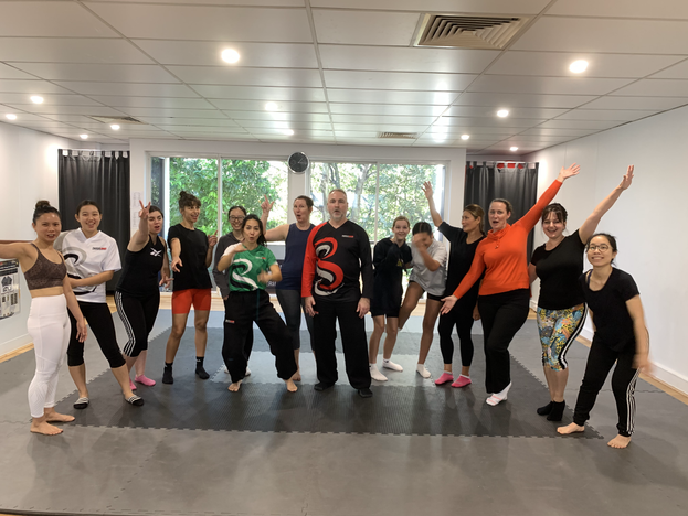 women kung fu group pic