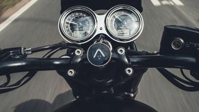 In-ein-Motorradcockpit-laesst-sich-das-B