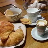 CAFFE' E BRIOCHES
