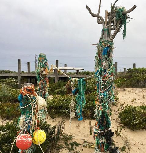 beachportfoundobjectsculpture.jpg