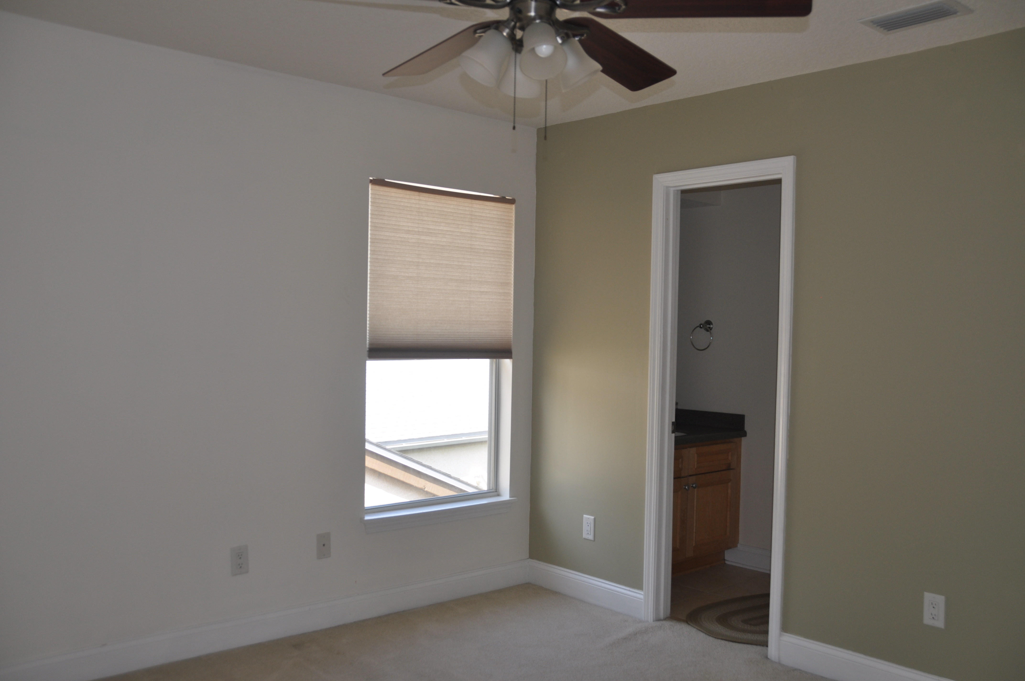 UPSTAIRS ROOM 2 VIEW 2