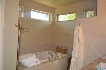 24-master-bathpng