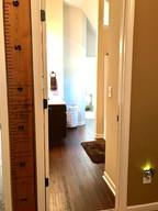 27-upstairs-bath_5jpg