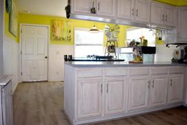 8-kitchen-_-dining-room-editedjpg