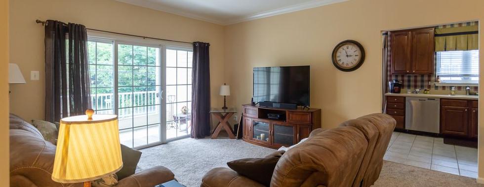 6.Living Room.jpg