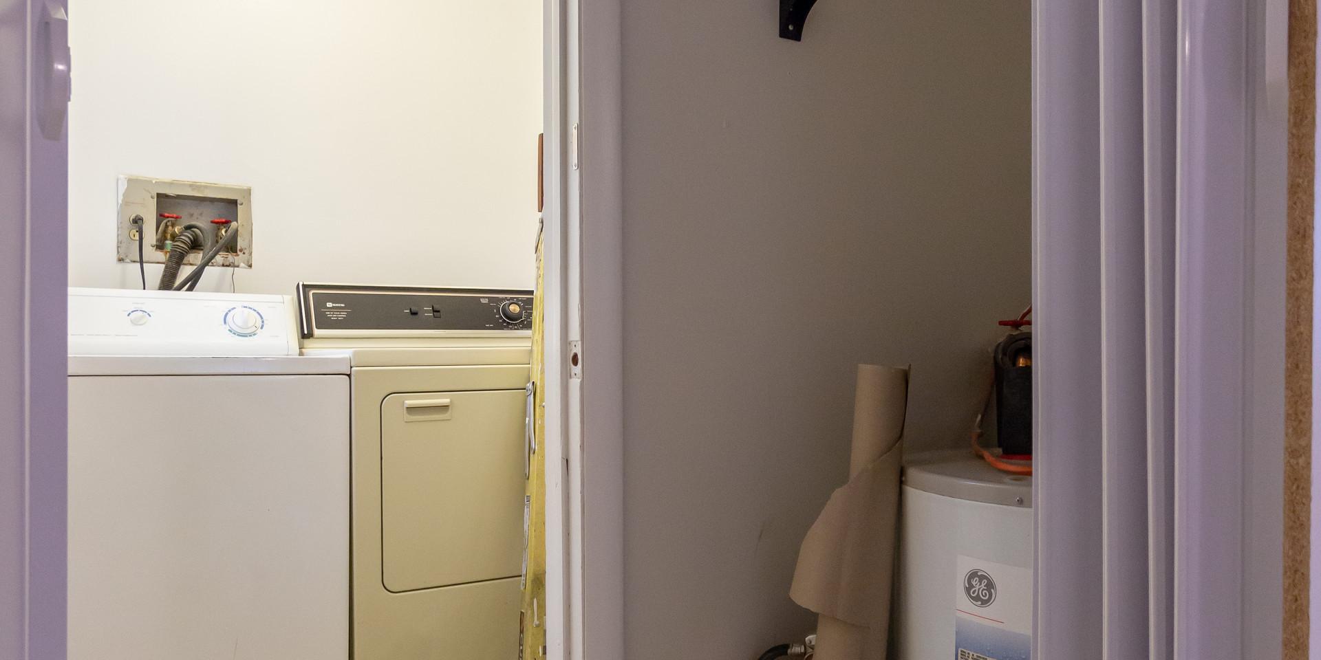 utilie room (2).jpg