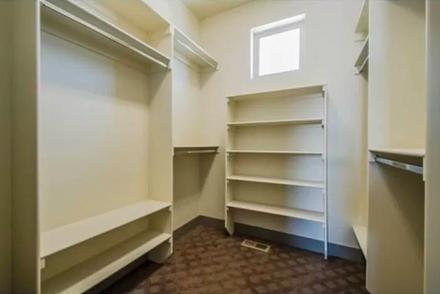 27-master-closetpng