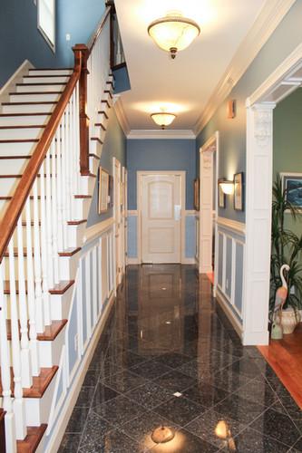 2. hallway fron front door.jpg