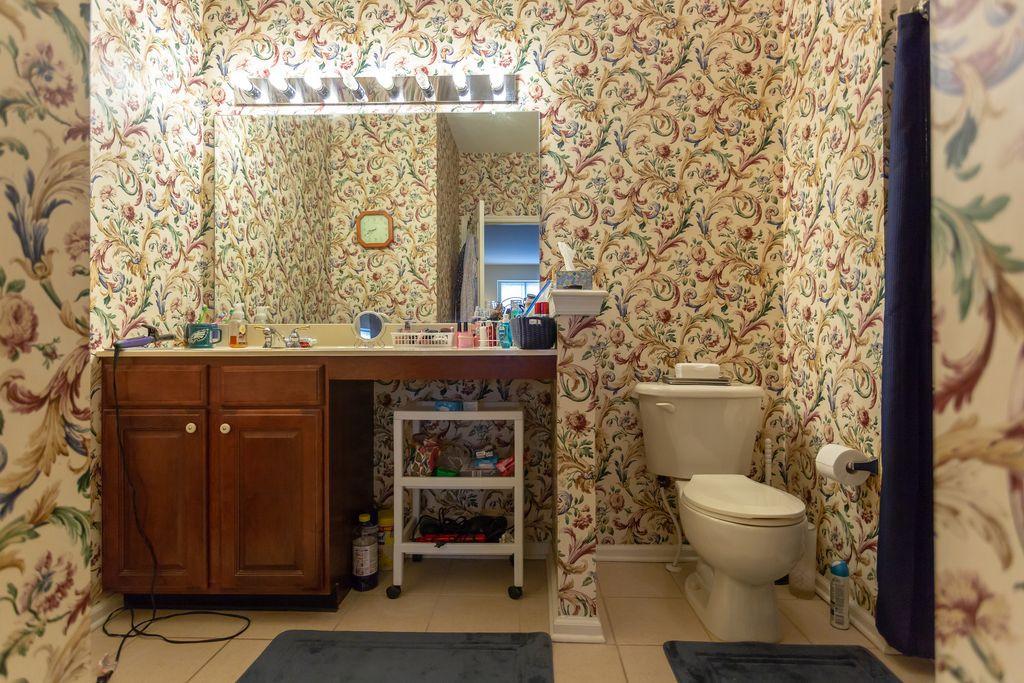 7.Bathroom.jpg