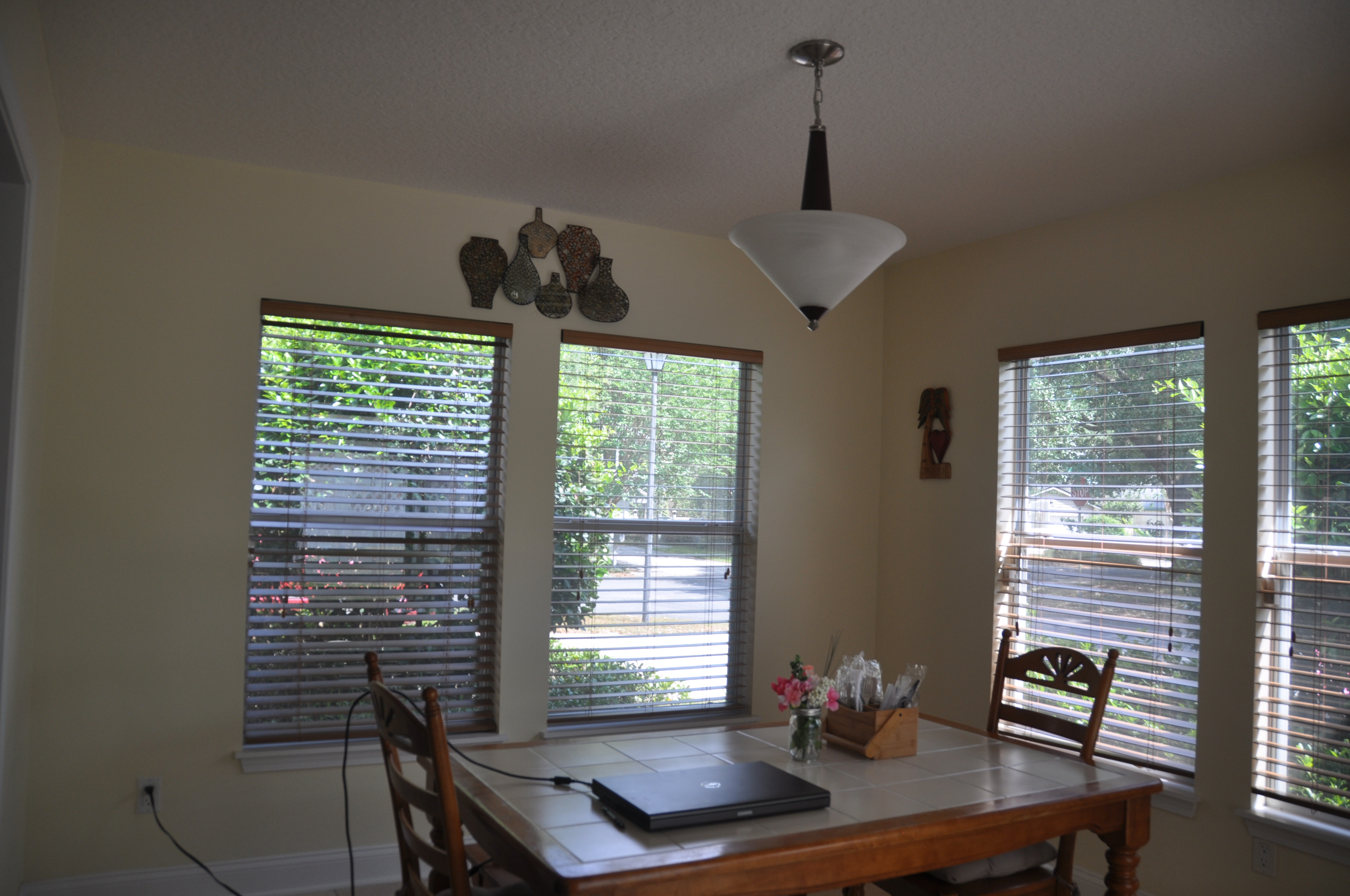 BREAKFAST NOOK (2)