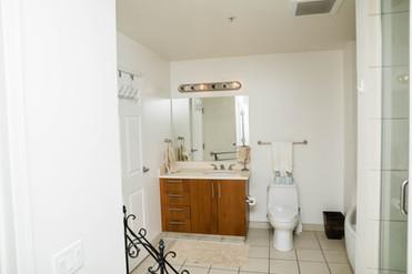 10-bathroom-sink-toiletjpg