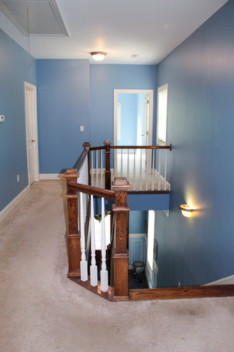 1.upstairs hallway.jpg