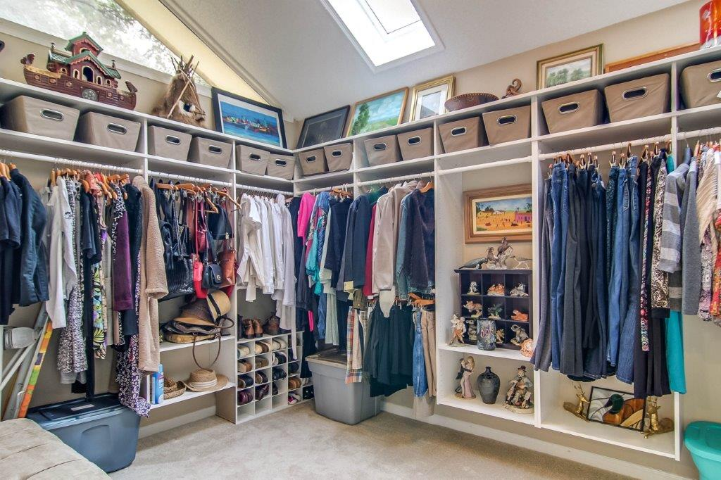Master closet - 1