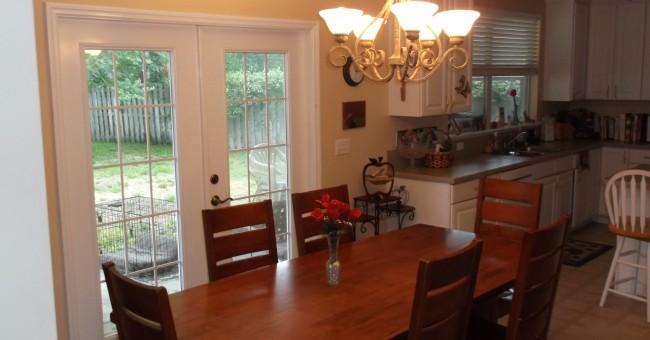 kitchen-table-1-650x340