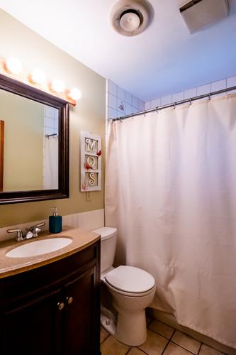 17-bathroom1jpg