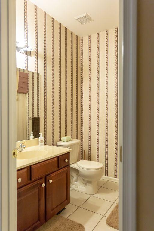 5.Bathroom.jpg