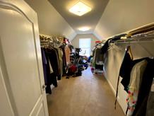 15.-master-closet.jpg