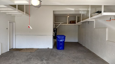 14. Garage.jpg