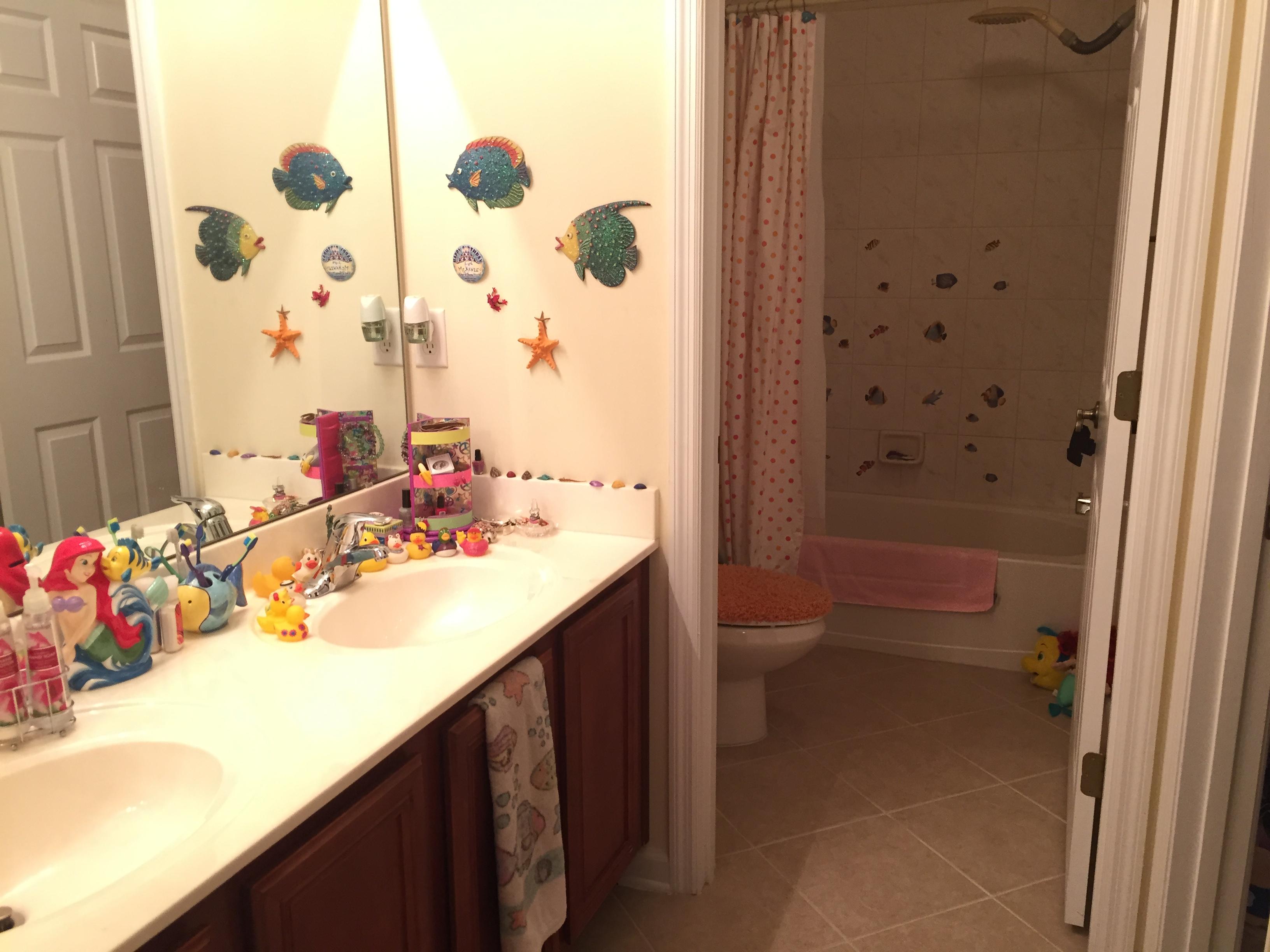 Guest bath 3 - 2