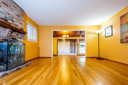 6-living-room2jpg