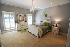 green-bedroom_4jpg