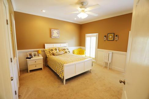yellow-bedroom_2jpg