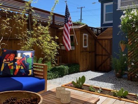 garden-flag-patio.jpg