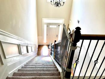 19-upstairs_1jpg
