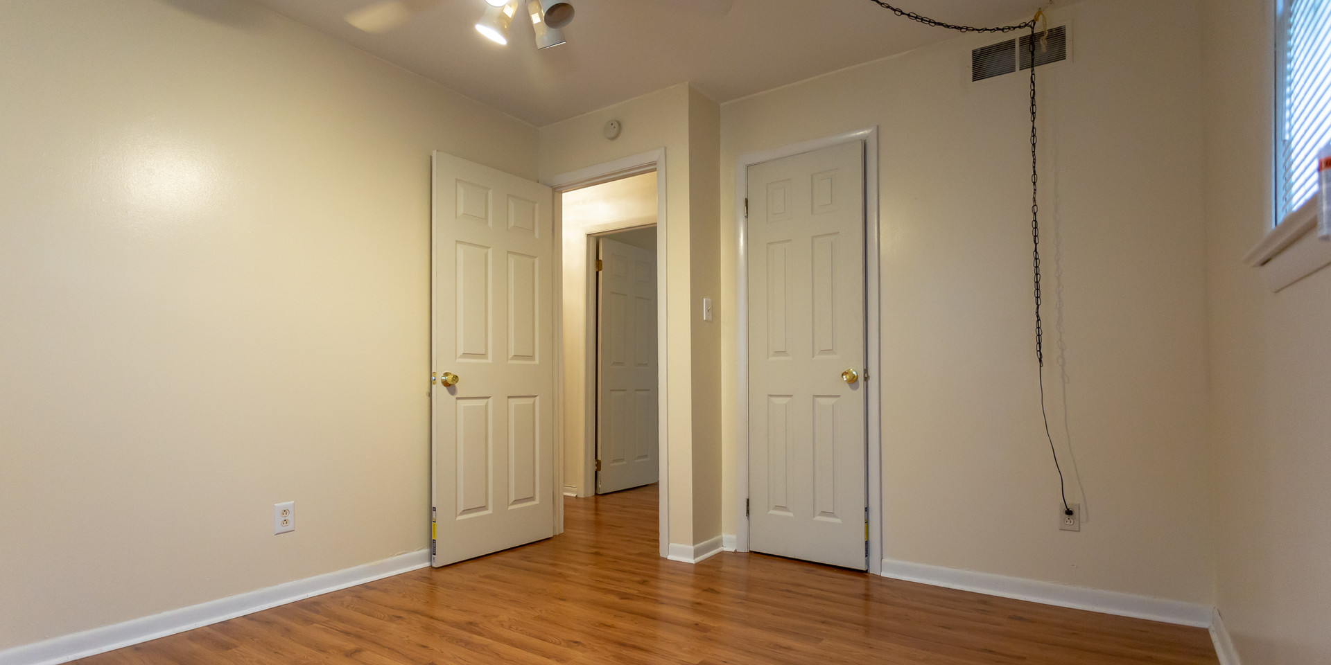 bedroom 2 (3).jpg