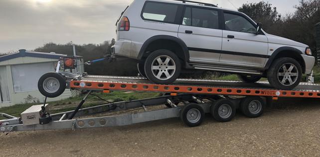 transport-services-cars-vans-trailers-tr