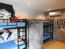 4 Bed En-suite Dorm 1.JPG
