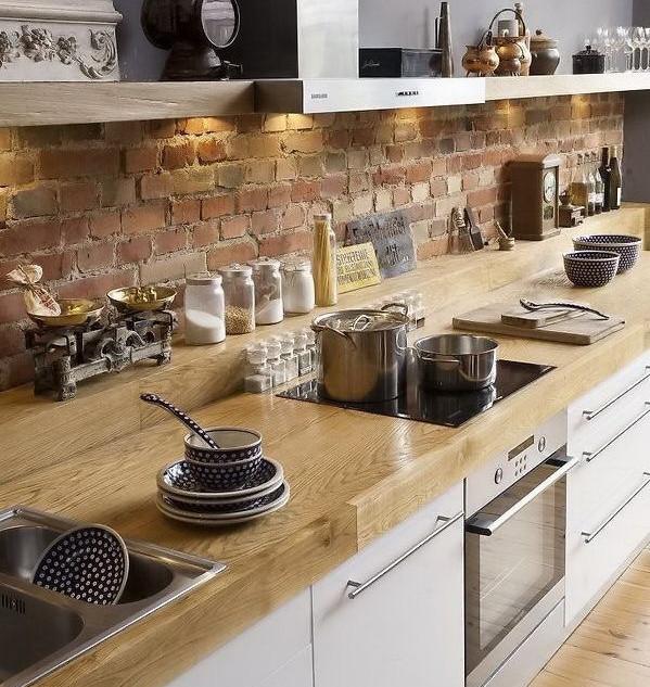 Кухонный фартук из старинного кирпича