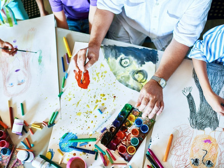 How Art Therapy Helps Residents in Rehab