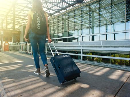 5 ไอเทม ที่สาว ๆ ควรมีติดกระเป๋าเวลาเดินทาง