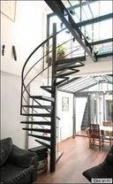 escalier-en-metal-sur-mesure(2).jpg
