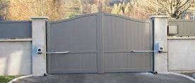 pose-portail-aluminium-deux-battants..jp