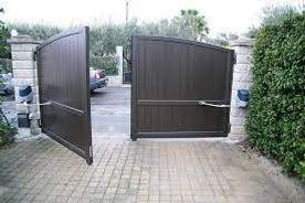 porte-de-garage-et-portail-que-faire-si-l-ouverture-a-distance-ne-fonctionne-plus(1).jpg