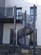 escalier-en-metal-sur-mesure.jpg