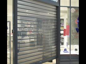 rideau-de-fer-magasin-paris (1).jpg