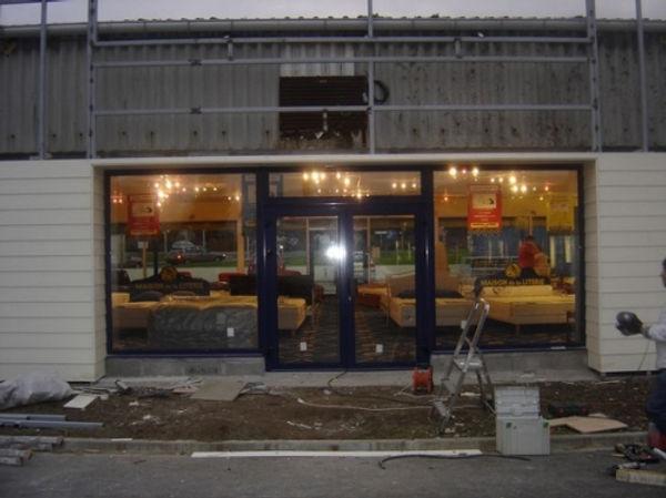 travaux-facade-boutique.jpg