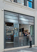 façade-restaurant-aluminium-paris.jpg