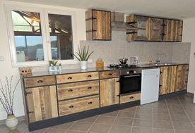 meuble-de-cuisine-bois-sur-mesure.jpg