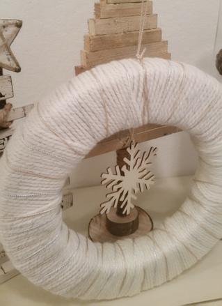 DYI Wrapped Yarn Wreath