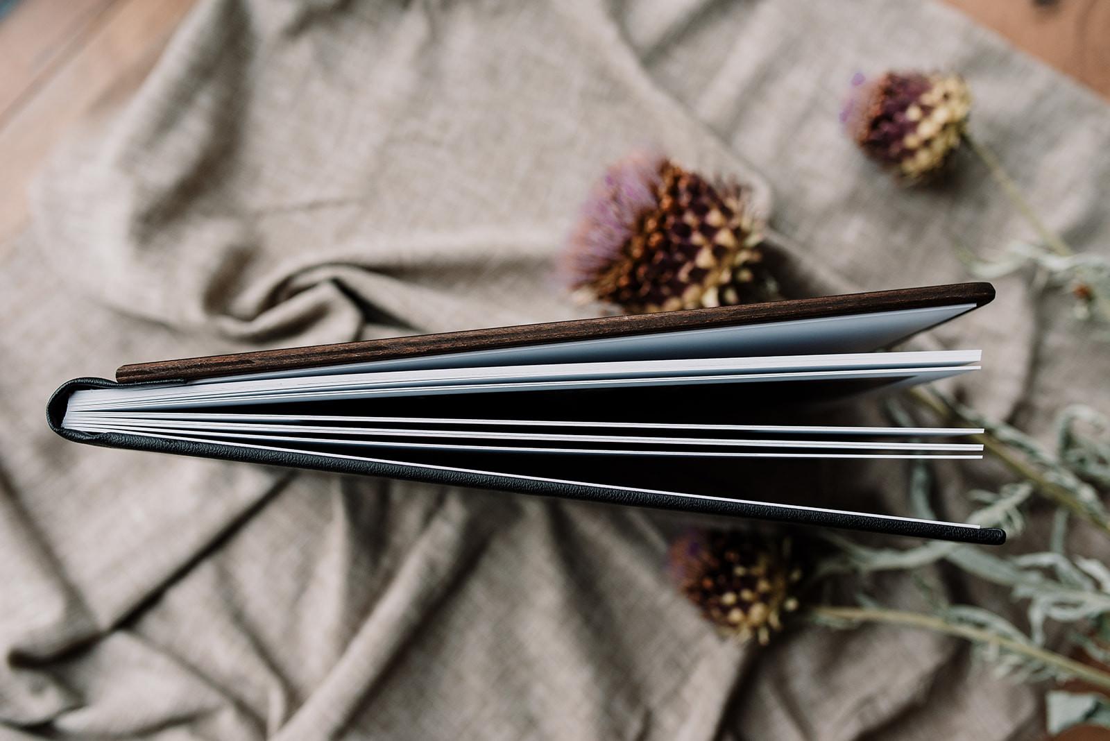 Tumbleweed & Fireflies - houten album-6_