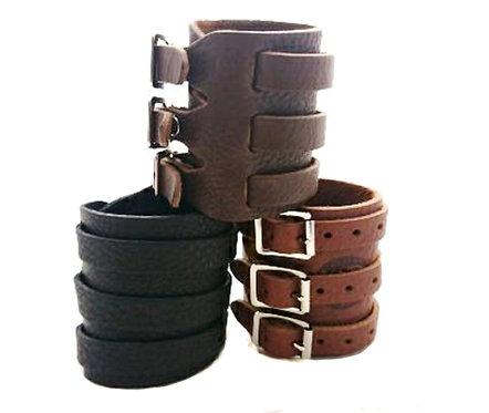 Triple Buscke closure Leather Bracelet