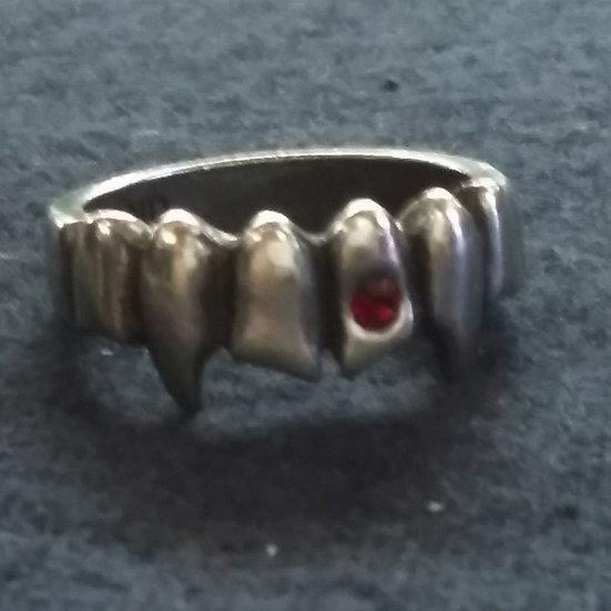 Alchemy Gothic England R152 Vamp Ring