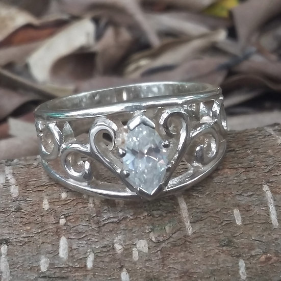 Royal Crystal Heart Ring 925 Sterling Silver