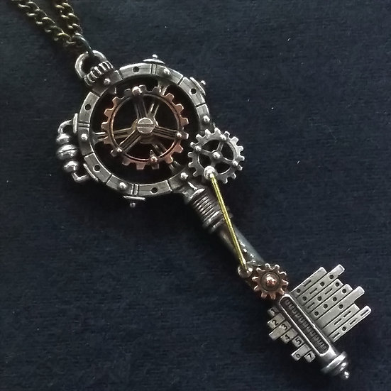 Alchemy Gothic England P671 Gearwheel Key Pendant