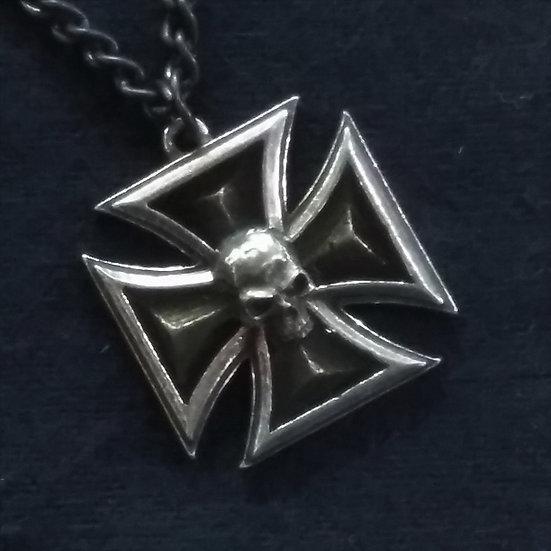 Alchemy Gothic England P617 Black Knight's Cross Pendant